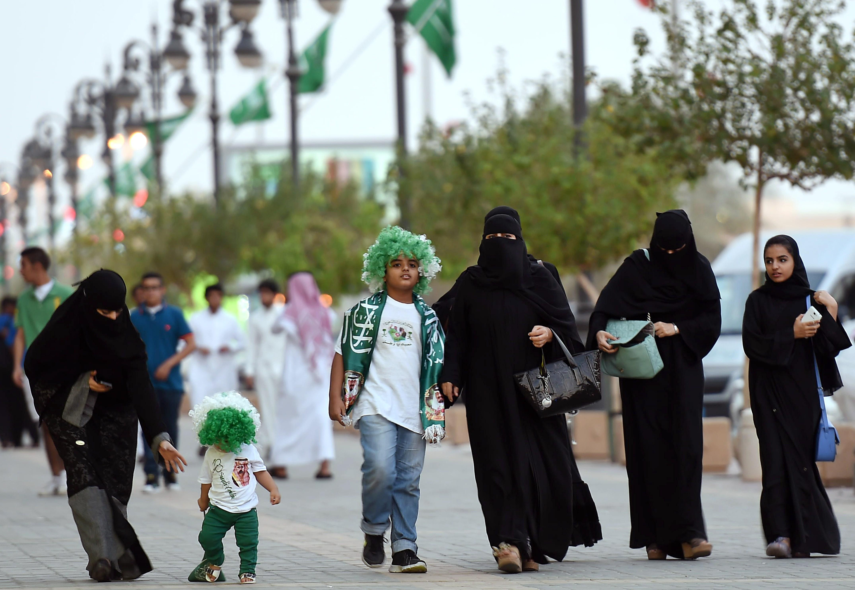 Saudi arabia women midget, my wife fuck black