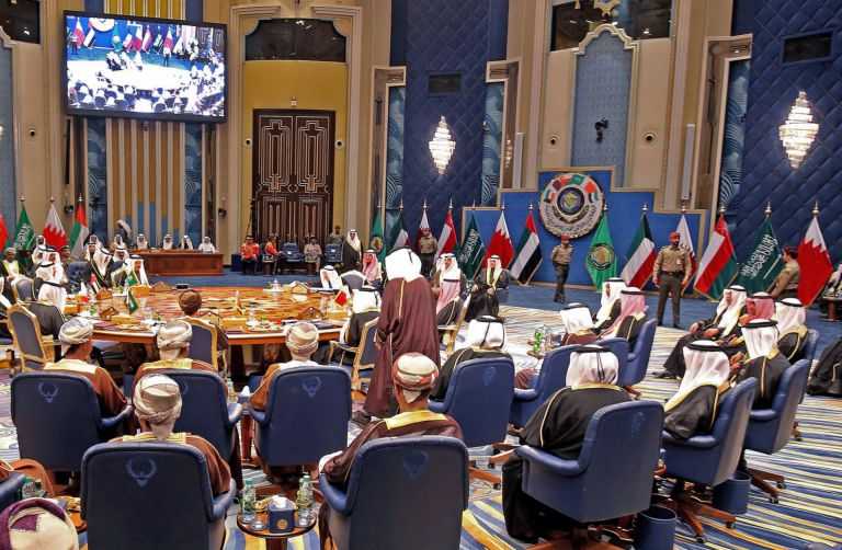 Kuwait Shifts the Burden of Reforms Onto Expatriates