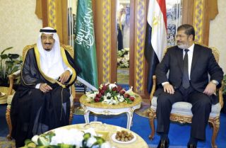 Egypt Seeks to Balance Iran and the Gulf States