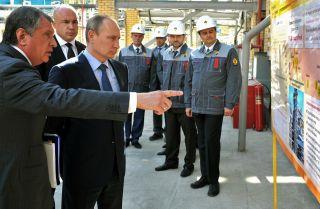 Russian President Vladimir Putin with Rosneft CEO Igor Sechin