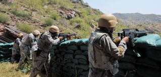 Saudi troops guard the Yemeni border with Jizan province in October 2017.