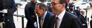 US Secretary of Defense Leon Panetta (C) escorts Norwegian Minister of Defense Espen Barth Eide (R) past a US Military Honor Cordon.