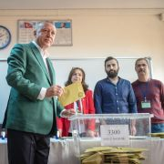 Turkish President Recep Tayyip Erdogan casts his ballot during municipal elections in Istanbul on March 31, 2019.