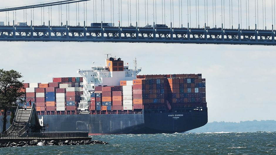 industry analysis shipping industry However, discovered shipping companies as major users of capital, and flooded the industry with cash, much of which was industry analysis marine transportation.