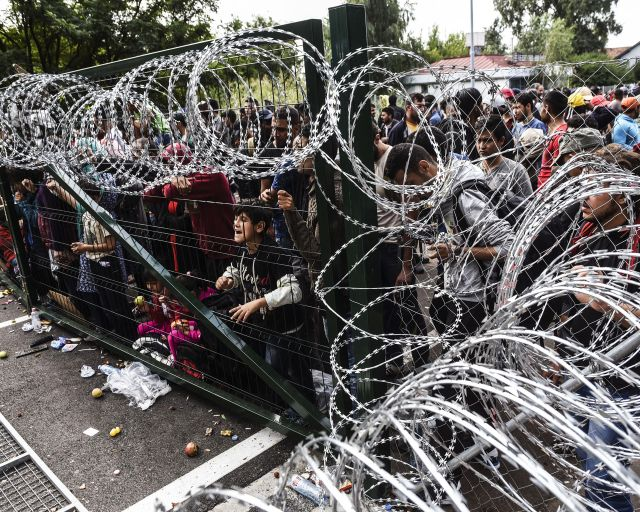 https://www.stratfor.com/sites/default/files/styles/stratfor_large__s_/public/main/images/europe-migrant-fence.jpg?itok=LSEWlP48
