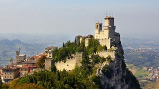A picture of the fortress dominating the City of San Marino.