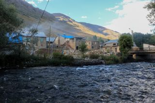 Photograph of the Munzur River in the village of Ziyaret, in Tunceli's Ovacik district.