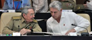 Cuban President Raul Castro (L) is scheduled to hand over power to Miguel Diaz-Canel in 2018.